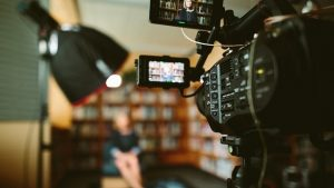 razones para alquilar material audiovisual